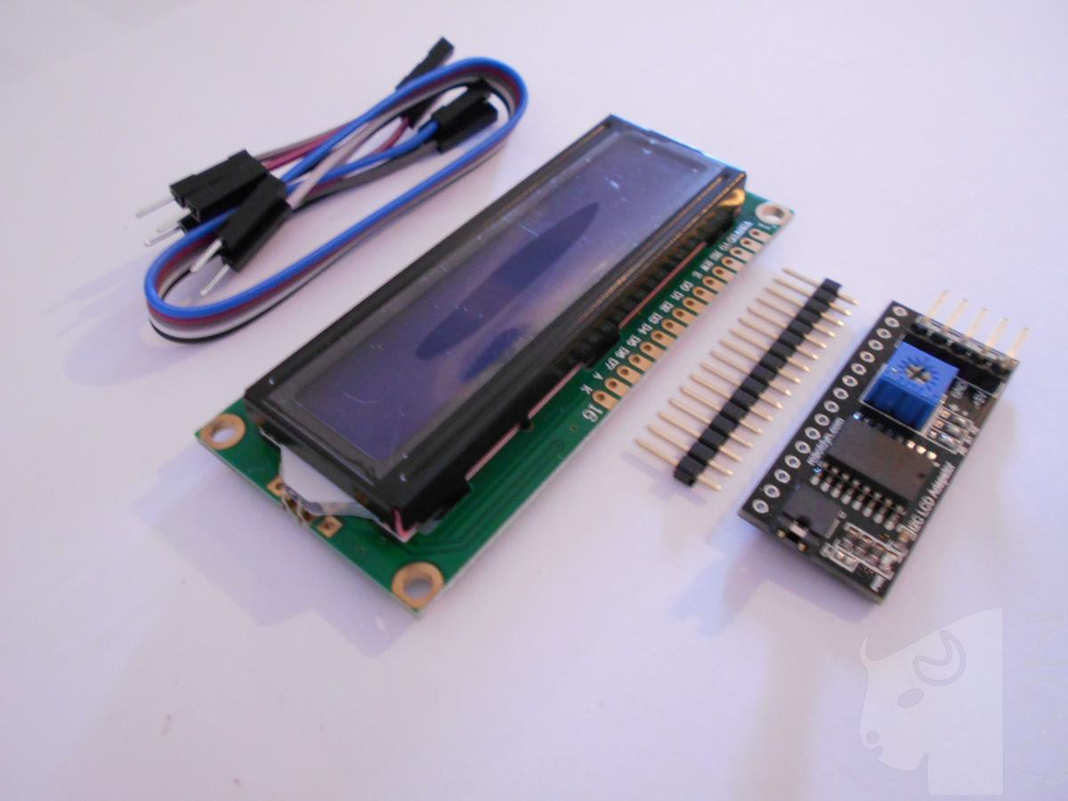 Afișaj LCD 1602 albastru cu I2C poze/LCD-display-1602-BLUE-symbols-2-rows-16-columns-with-I2C-adapter-connection-2-wire-DSCN2952.JPG